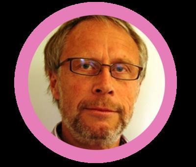 Foto på Mårten Fernö i rosa ram